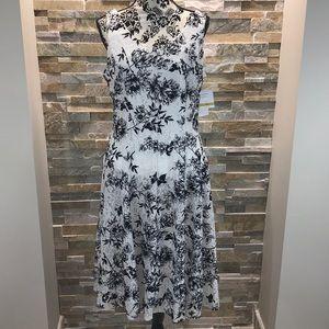 Gabby Skye Floral Print Dress